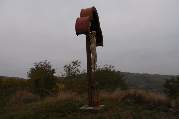 Križ na vrhu griča