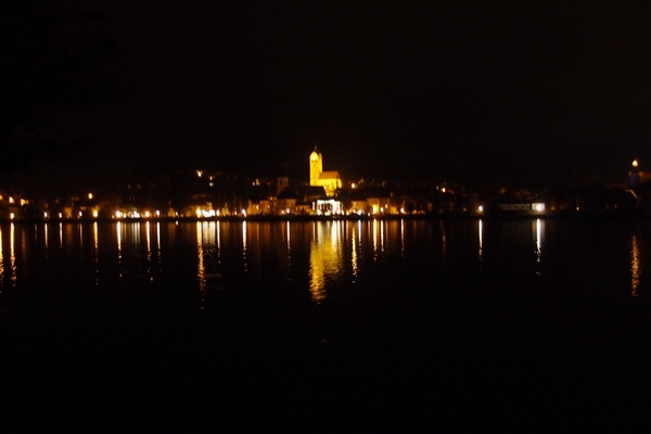 Donava by night